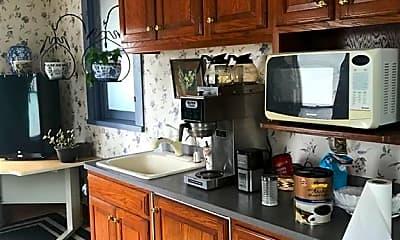 Kitchen, 319 Wheatfield St 2, 1