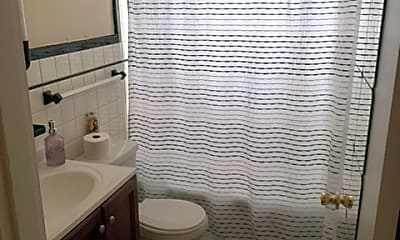 Bathroom, 1562 Elizabeth St, 2
