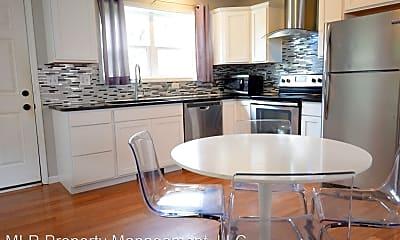Kitchen, 605 S Aurora St, 1