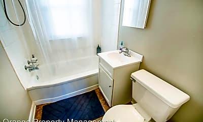 Bathroom, 820 N 46th St, 1