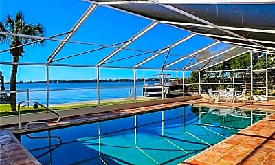 Pool, 7798 Holiday Dr, 1