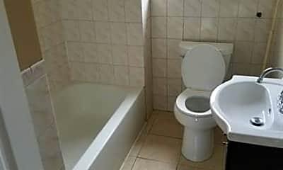 Bathroom, 693 Bergen Ave 3, 1