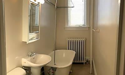 Bathroom, 1824 W 2nd St, 2