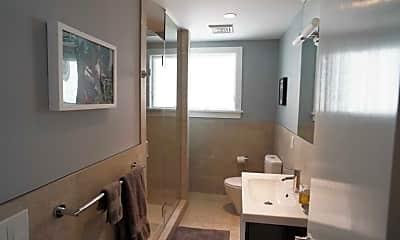 Bathroom, 44 Main St, 2