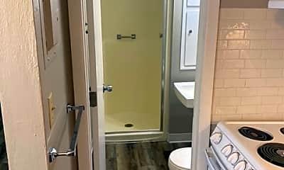 Bathroom, 900 14th St NW, 1