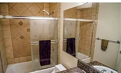 Bathroom, 434 East Cedar Ave, 2