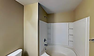 Bathroom, 5516 Raccoon Hollow, 2