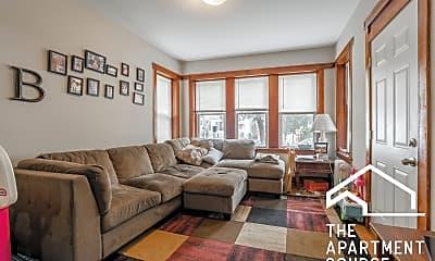 Living Room, 2419 N Lotus Ave, 1