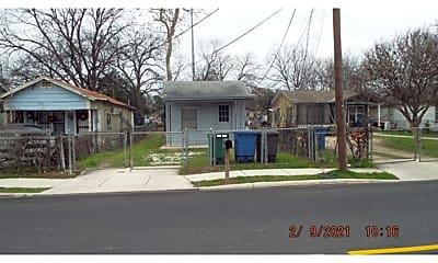 1057 S San Joaquin Ave, 0