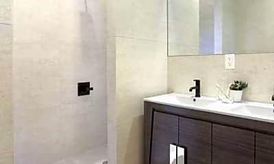 Bathroom, 589 Hicks St, 2