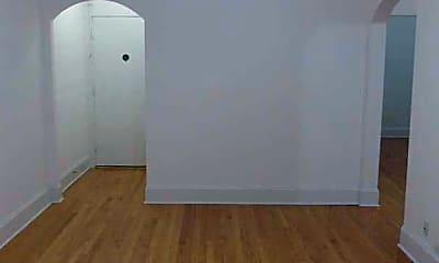 Living Room, 3955 N Lamon Ave, 1
