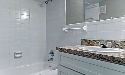 Bathroom, The Landings at Southpoint, 1