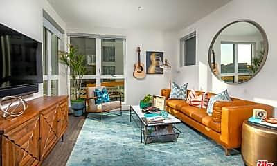 Living Room, 1101 N Main St 306, 1