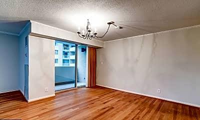 Living Room, 4601 N Park Ave 419, 1