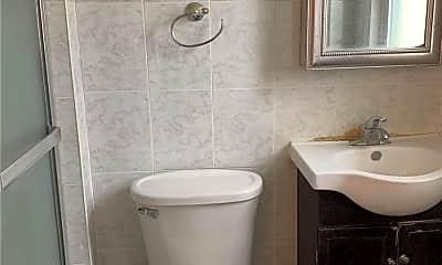 Bathroom, 629 Pierce Pl, 2