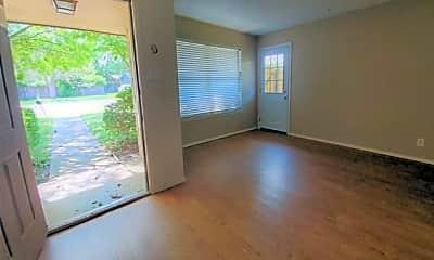 Living Room, 1002 Mulkey Ln, 1