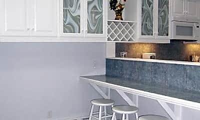 Kitchen, 188 Maverick St, 1