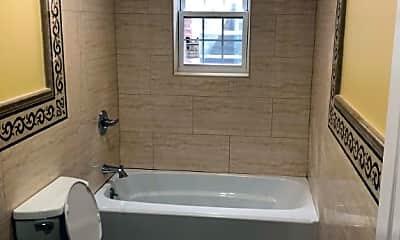 Bathroom, 549 S 11th Ave, 2
