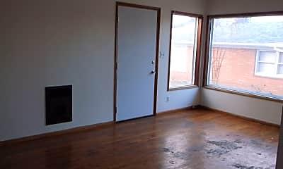 Living Room, 1132 Lewis St, 1