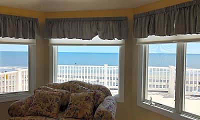 Living Room, 1401 E Brigantine Ave, 2