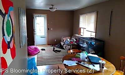 407 1/2 S Lincoln St, 1
