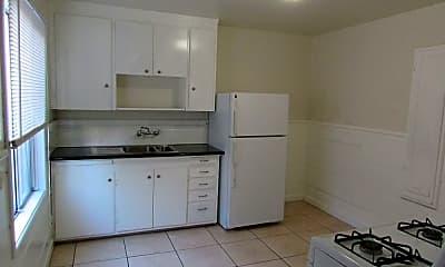 Kitchen, 15073 Robin St, 1