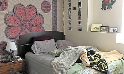 Bedroom, 427 S Van Buren St, 2