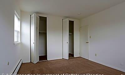 Bedroom, 2900 Oley Turnpike Rd, 1