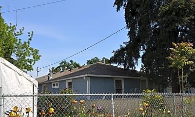 Building, 1055 16th St SE, 2