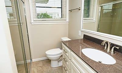 Bathroom, 611 E Capitol Ave, 1