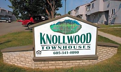 Knollwood Townhouses, 1