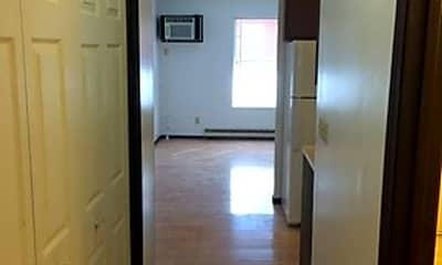 Bedroom, 506 E Green St, 2