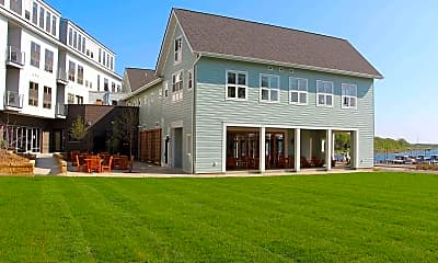 Boatworks Commons, 1