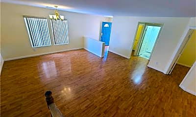 Living Room, 11628 Villa Malaparte Ave, 2