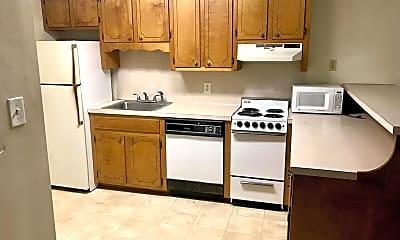 Kitchen, 1442 Riverview Road, Unit #122, 1