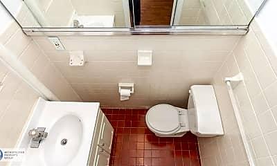 Bathroom, 1382 2nd Ave, 2