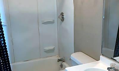 Bathroom, 2111 Runnels St, 2