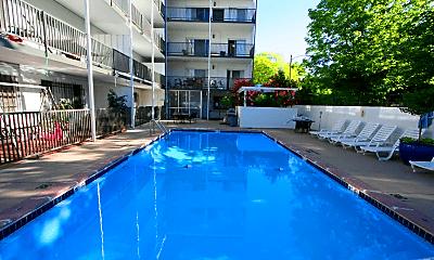 Pool, 909 Pearl St, 1
