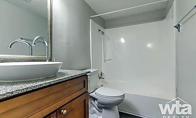 Bathroom, 3622 Manchaca, 2