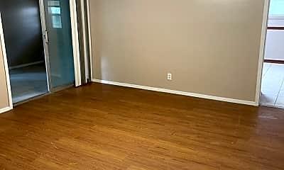 Living Room, 124 Hardwood Dr, 1
