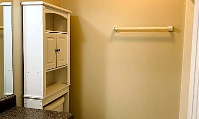 Bathroom, 2405 Wyatt St, 2