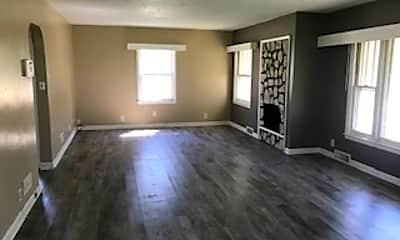 Living Room, 323 E Louise St, 0