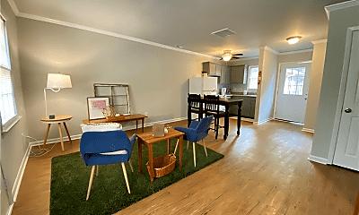 Dining Room, 4224 Castleton Rd, 1