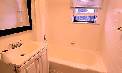 Bathroom, 11 W 36th St, 2