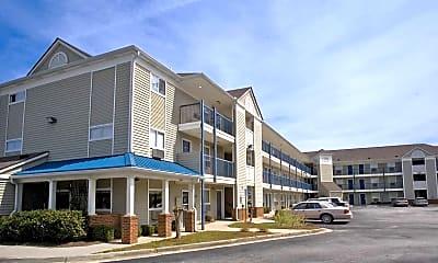 Building, InTown Suites - Douglasville (ZDV), 0