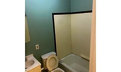 Bathroom, 78 Belden St, 2
