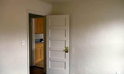 Bedroom, 530 W 6th St, 2