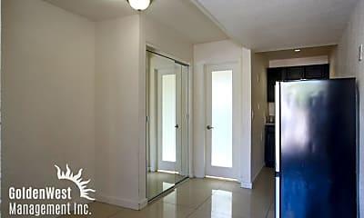 Living Room, 1401 E Carson Ave, 1