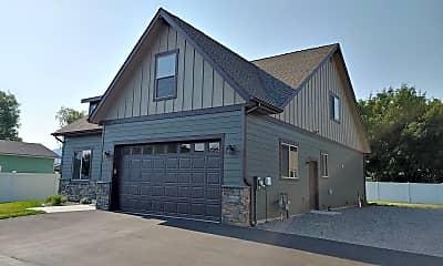 Building, 10080 N Maple St, 1