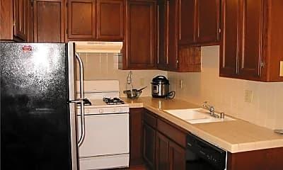 Kitchen, 5217 Satsuma Ave, 1